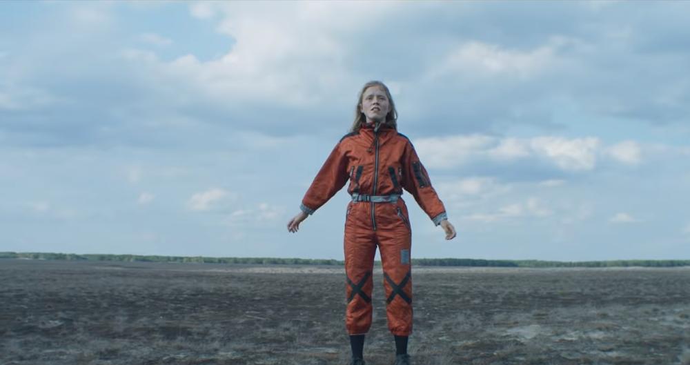 Watch Alice Phoebe Lou's Galaxies music video