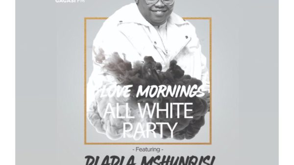 Dladla Mshunqisi continues to promote Thutha with an All-White Party