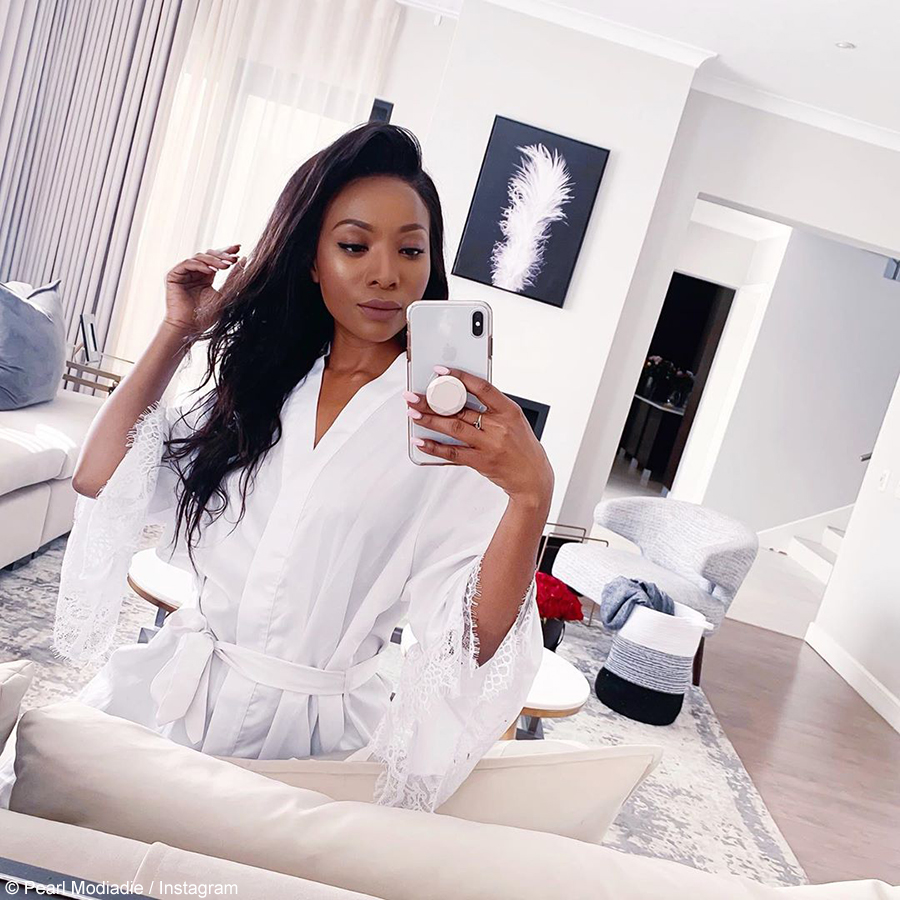 Social media users compliment Pearl Modiadie 's house after revealing it through a selfie