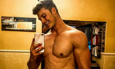 Brendan Peyper works on abs and biceps in at-home workout